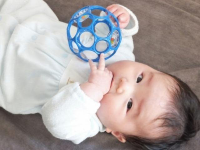 赤ちゃん遊ぶ