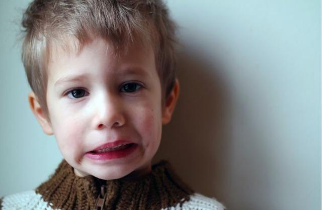 4歳男の子の画像